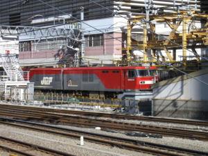 新宿駅の貨物列車